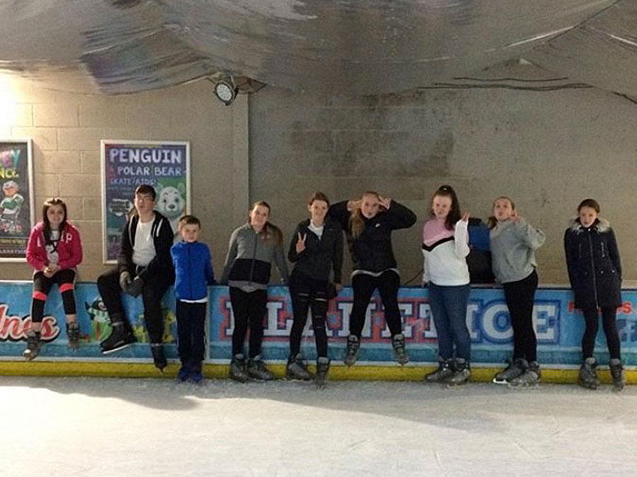 halton-carers-young-carers-ice-rink-trip-1a